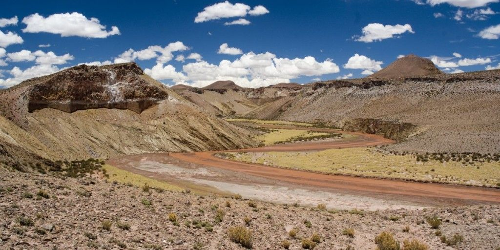 ruta-40-stretches-more-than-3000-miles-from-argentinas-northern-border-to-its-southern-tip-it-crosses-18-rivers-and-passes-20-national-parks-making-it-a-perfect-scenic-drive
