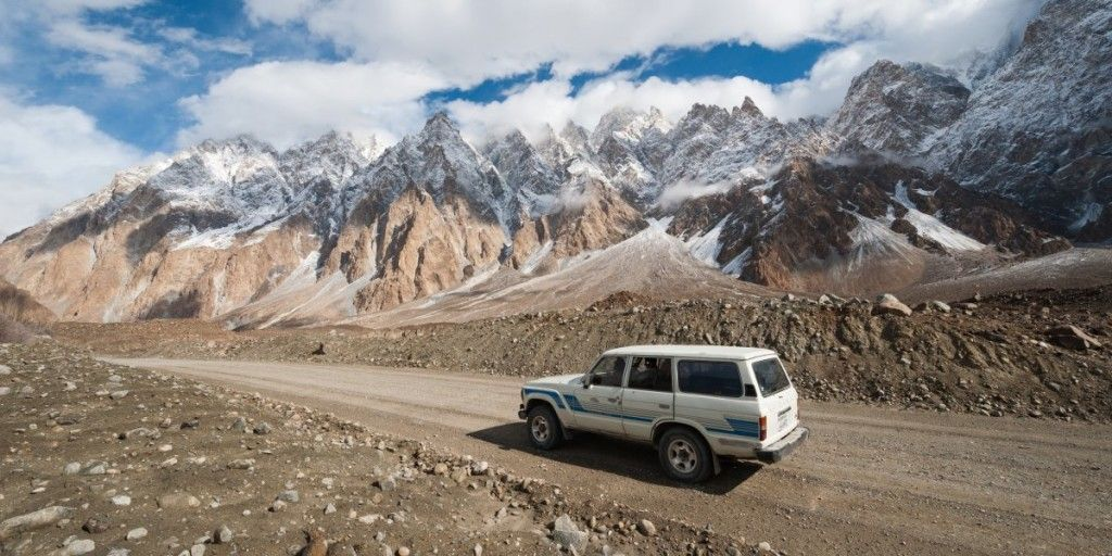 the-karakorum-highway-was-bulldozed-in-the-1960s-and-70s-and-now-connects-pakistan-and-china
